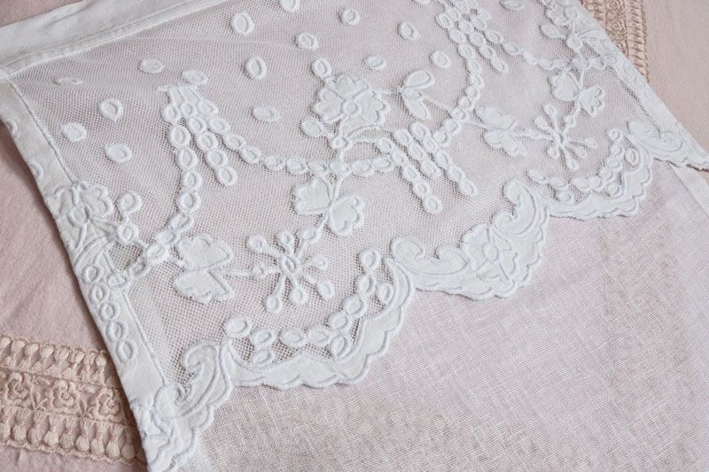 scheibengardine manon 35 cm x 70 cm landhausstoffe toile de jouy shabby chic french country. Black Bedroom Furniture Sets. Home Design Ideas