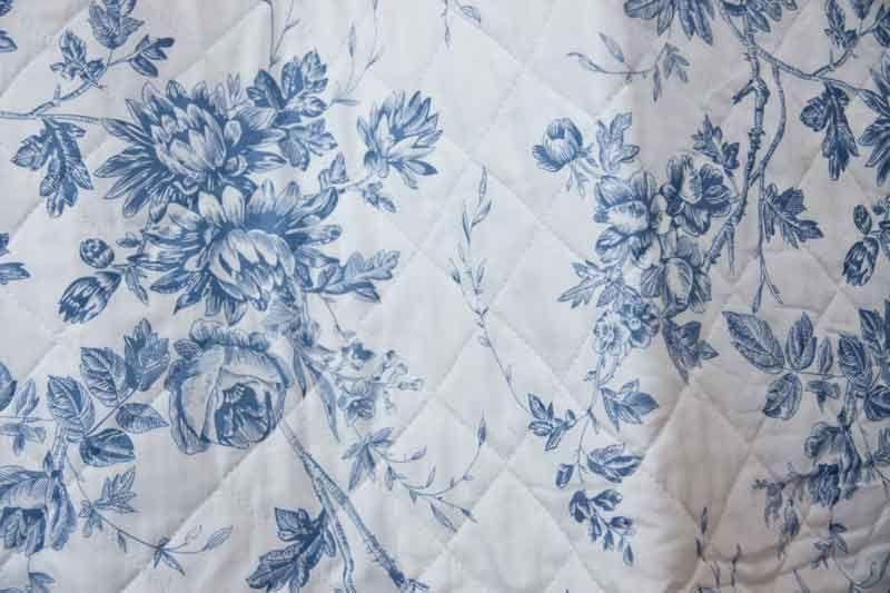 Tagesdecke Rosier Bleu 150 cm x 150 cm - Romantisch Wohnen ...